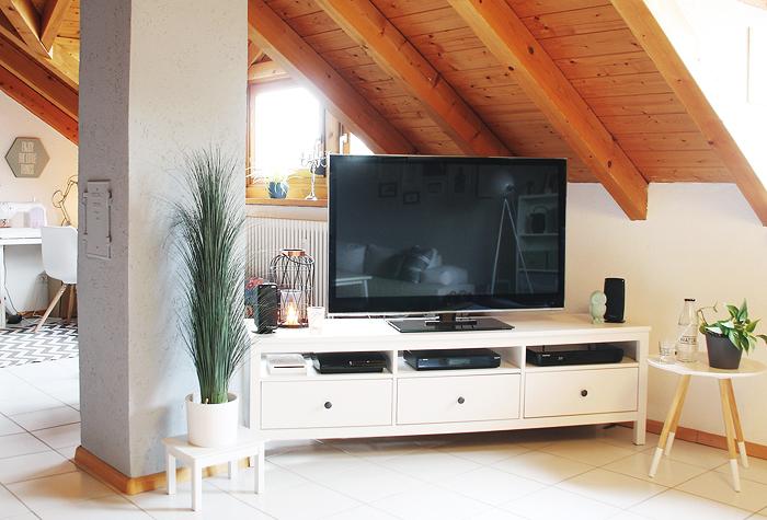 Berühmt Streichprojekt im Wohnzimmer: Der Kamin ist jetzt eine steinblaue RF04