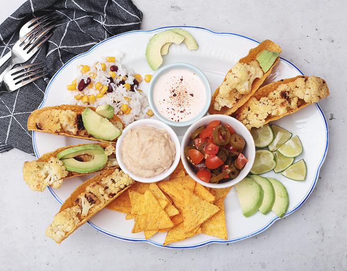 mexikanisches vegetarisches Fingerfood Blumenkohl Jalapeño-Salsa Texmex-Reis