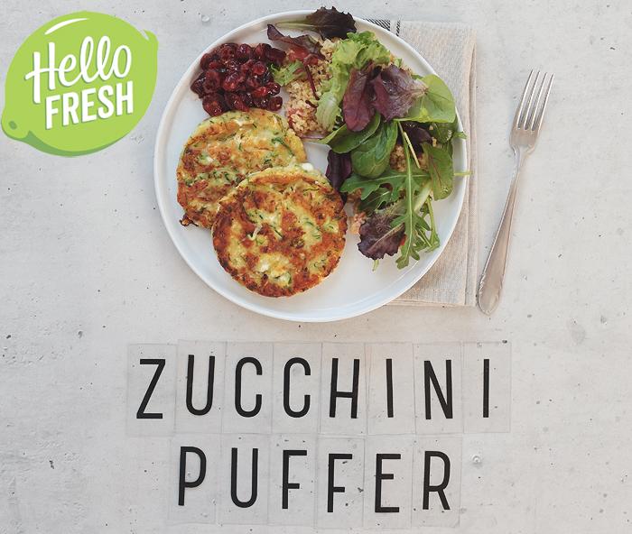 HelloFresh Rezept für Zucchini-Puffer mit Feta, Cranberrysoße und Bulgursalat