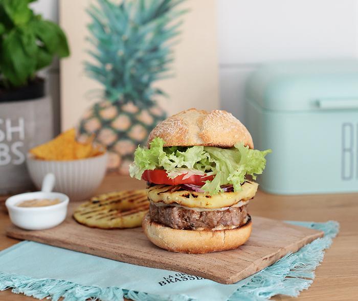 Hawaii-Burger Paprika Ananas Teriyaki-Sauce