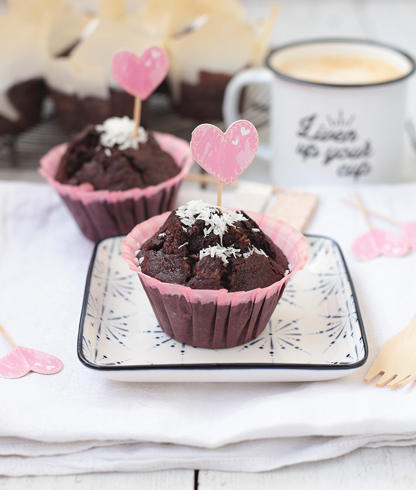 Zucchini-Schoko-Muffins mit Kokos
