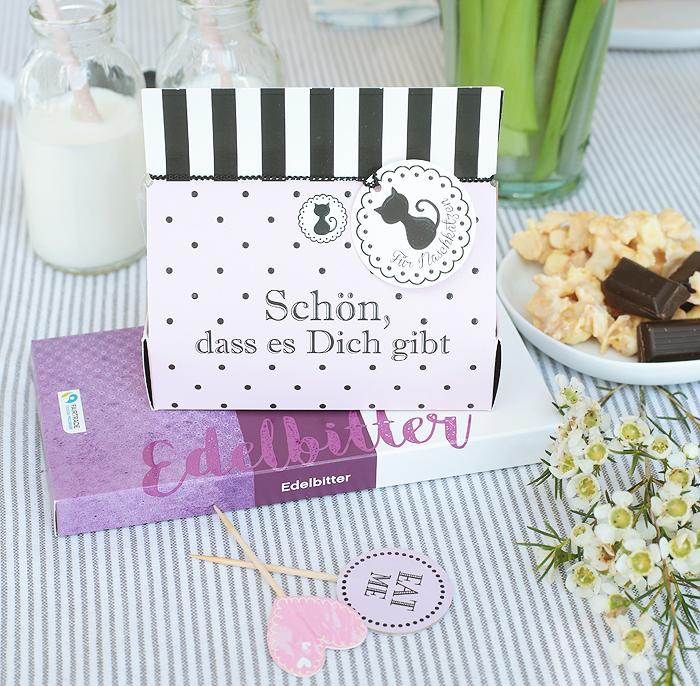 Hussel Edelbitter Schokolade Maracuja-Joghurt-Flakes
