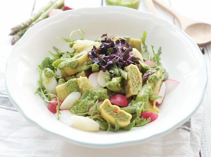 Lauwarmer Maultaschen-Salat mit Rucola-Pesto und Spargel KitchenAid Gewinnspiel