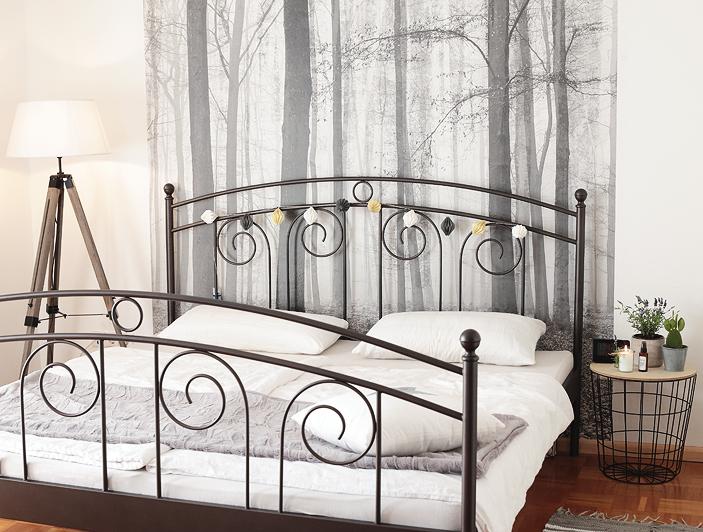 Schlafzimmer im Herbst Waldtapete Stehlampe