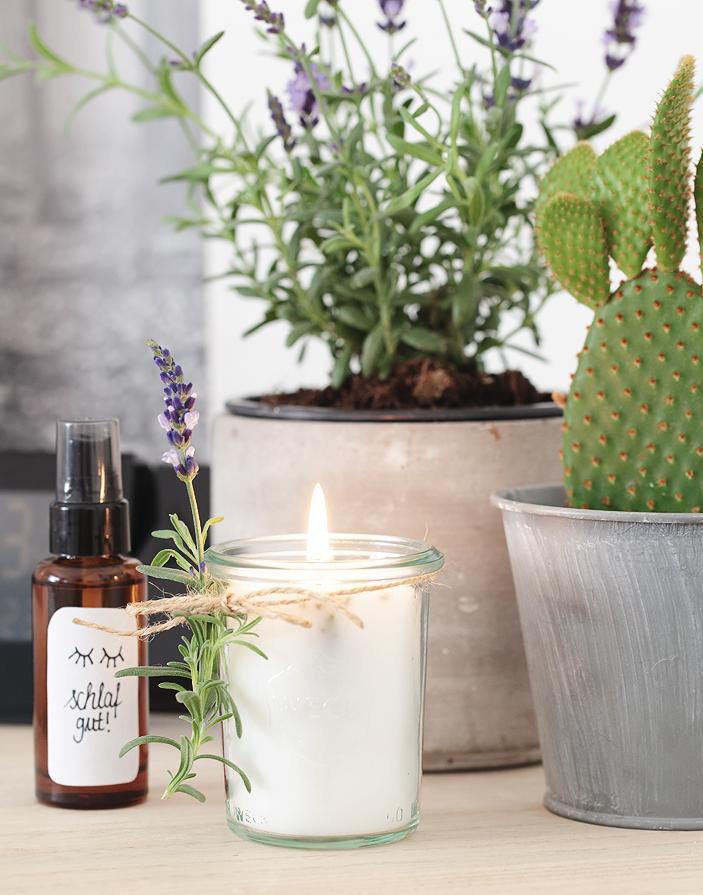 Kerze Lavendel Kissenspray DIY selber machen Schlafzimmer im Herbst